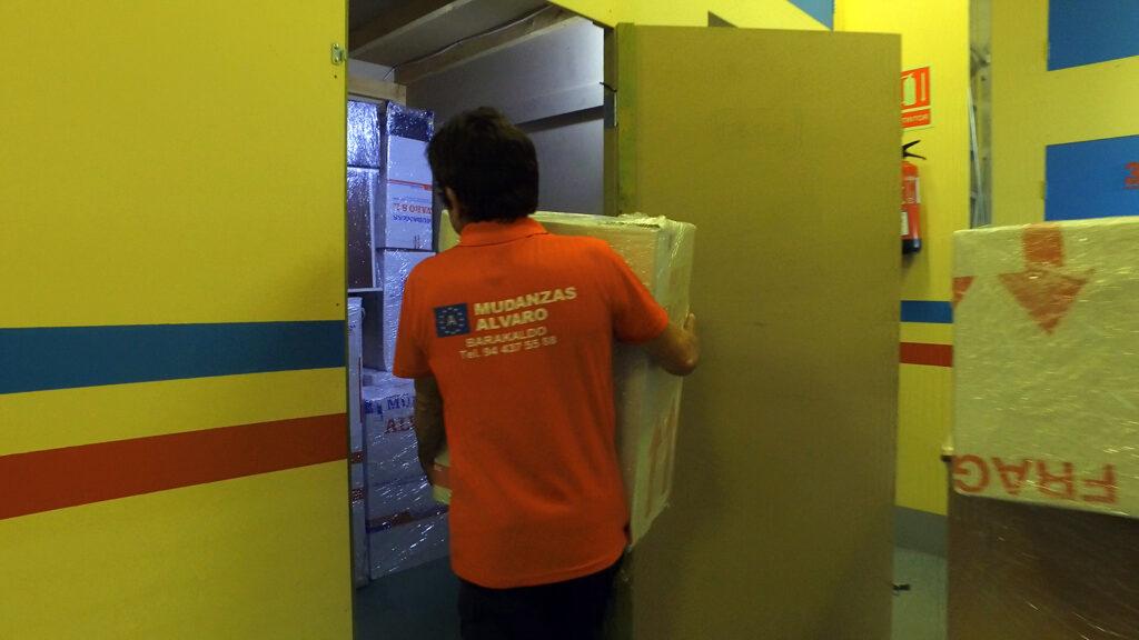 Mudanzas Álvaro ofrece el mejor servicio de Guardamuebles en Bilbao