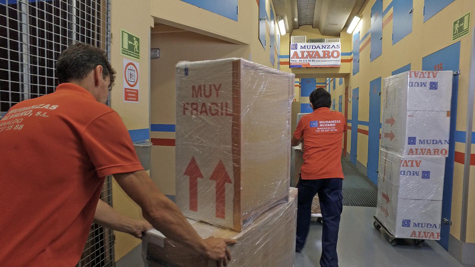 Mudanzas Álvaro le ofrece guardamuebles con espaciosas instalaciones